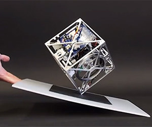 Robotic Cube with Amazing Balance